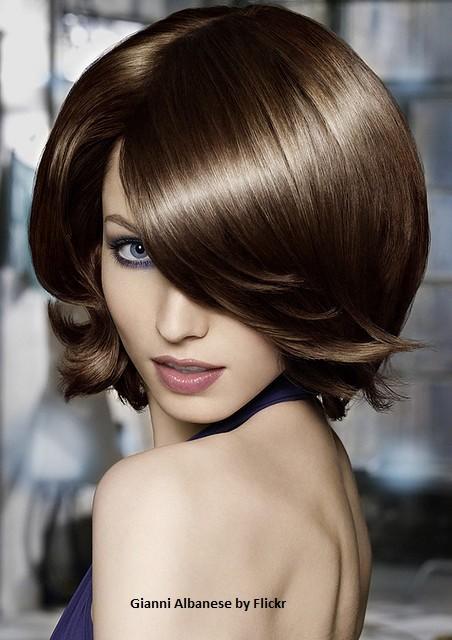 Объем у корней смотрится превосходно на любой длине волос