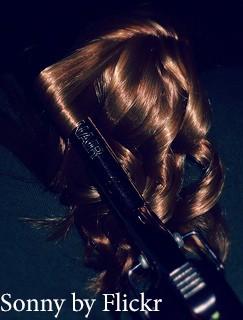 Главное - не передержать плойку на волосах