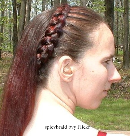 Косички на распущенные волосы