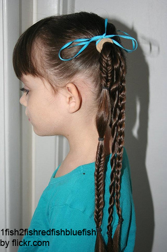 С косами и плетениями можно фантазировать