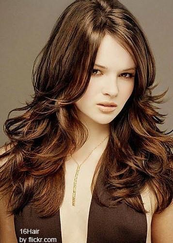 Длинные волосы идут обладательницам круглого лица
