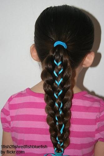 Лента-шнуровка оживит косу