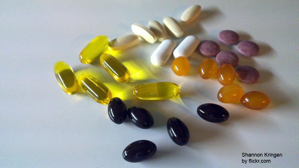 Возможно, седина связана с нехваткой витаминов