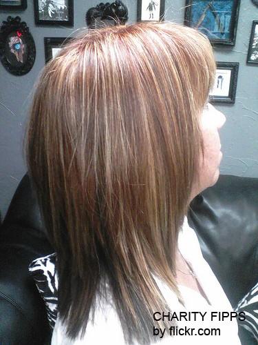 Первым способом двухтональной покраски было мелирование волос