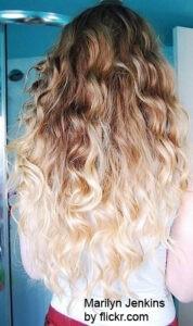 Хорош вариант с очень светлыми кончиками волос