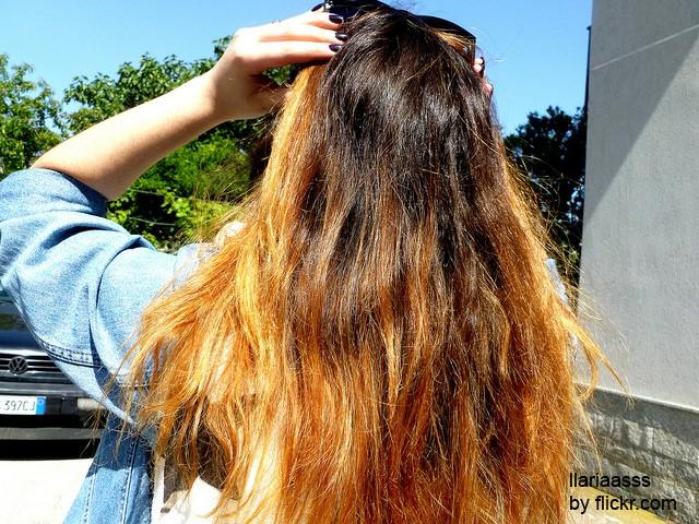 Шатуш копирует выгорание волос.