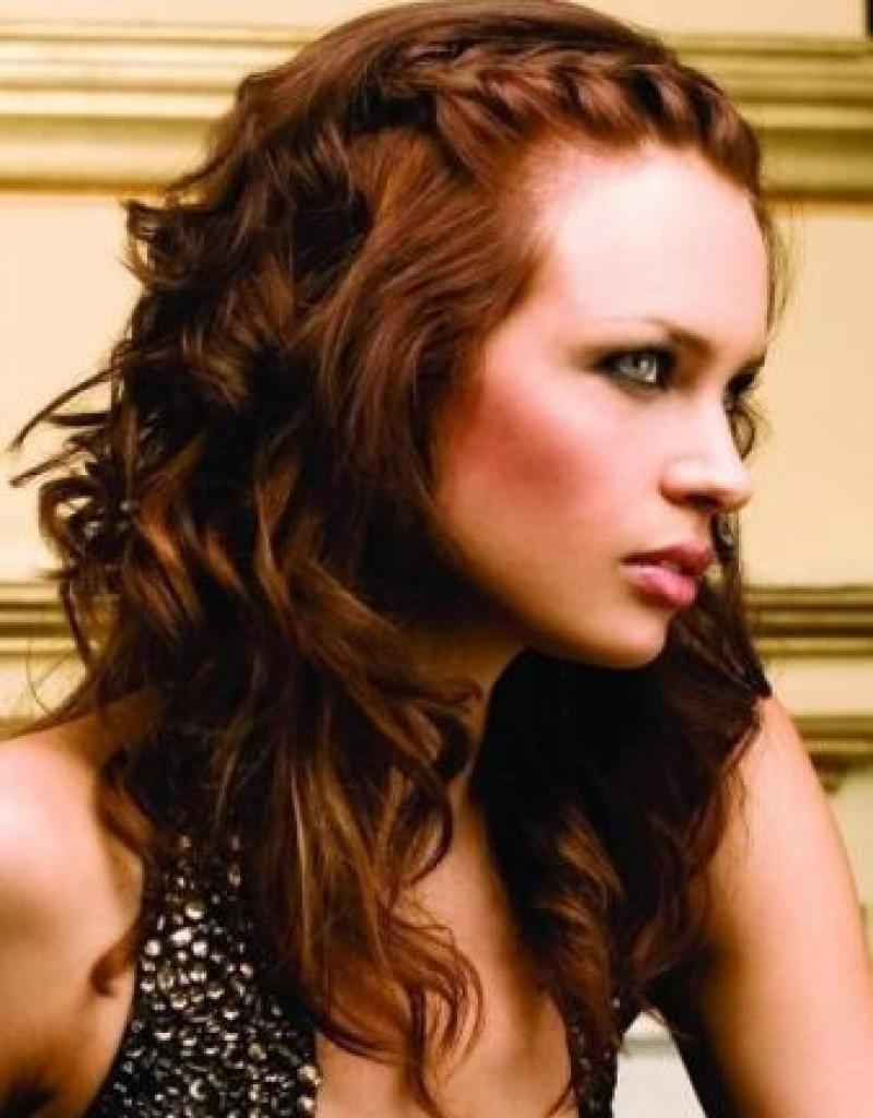 bridesmaid-hairstyles-for-medium-hair-down-800x1024