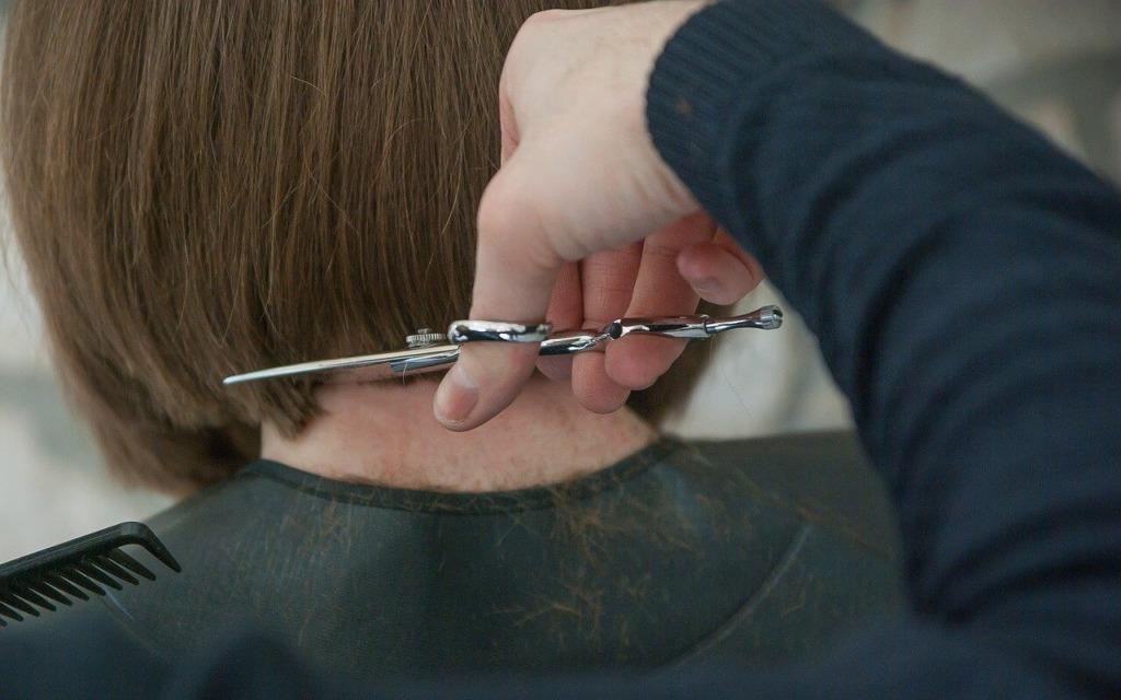 Разновидности каскада на средние и длинные волосы